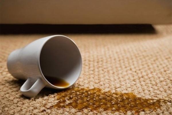Cách xử lý vết bẩn trên ghế sofa bọc vải nỉ
